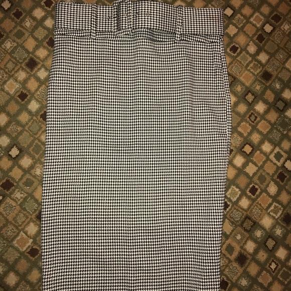 Spenser Jeremy Dresses & Skirts - Gingham pencil skirt.